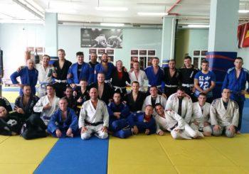Akademia z Kaliningradu dołączyła do Dragon's Den Team