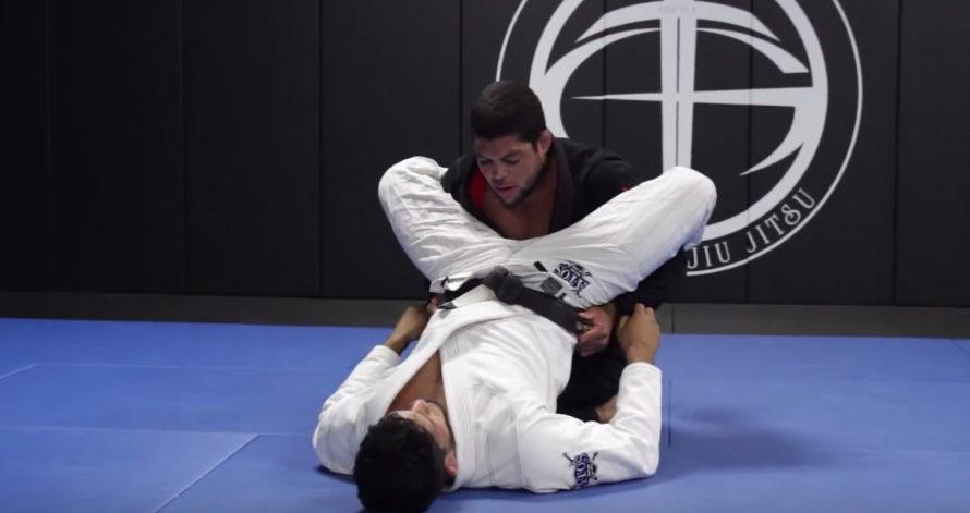 """Technika: przejście gardy typu """"double under"""" od Andre Galvao"""