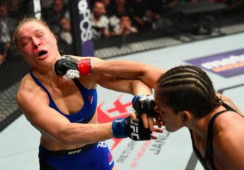 Ronda Rousey na deskach! Amanda Nunes obroniła pas.