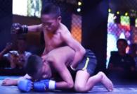 Klub MMA w Chinach adoptuje dzieci i szkoli je na zawodników!