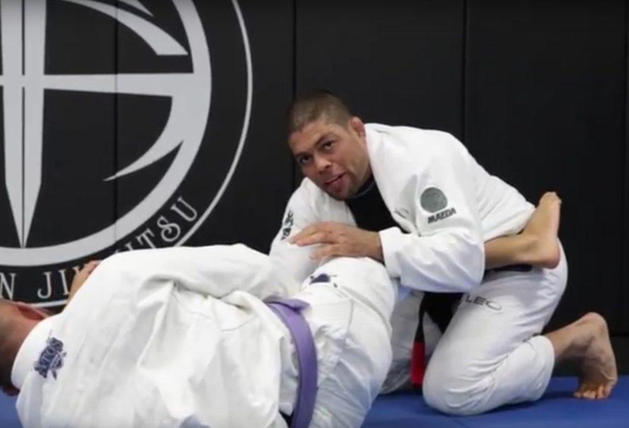 Andre Galvao objaśnia wariant przejścia Lapel Guard [Video]