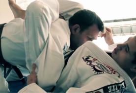 """Nietypowe wykończenie """"trójkata"""" od Caio Terra [Video]"""