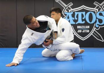 Andre Galvao omawia hip bump sweepa i balaszkę z dosiadu [Video]