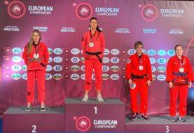 Wyniki ME Grapplingu w Gi: Magda Loska poddaje Klaudię Mitko [wideo]