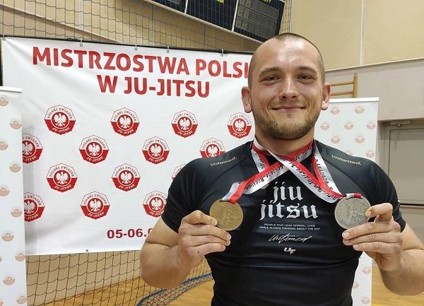 """Andrzej """"Psuj Jitsu"""" Iwat ze złotym i srebrnym medalem  z Mistrzostw Polski Ne-waza"""